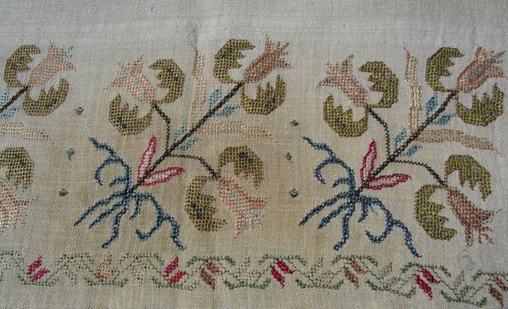 ANTIQUE 19th CENTURY OTTOMAN TURKISH SILK METALLIC EMBROIDERED LONG LINEN TOWEL