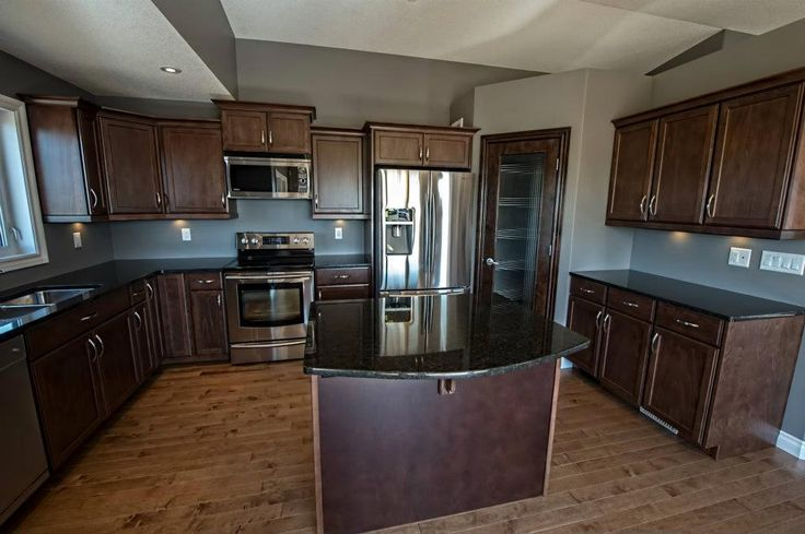 Classy U Shaped Kitchen With Center Island And Corner