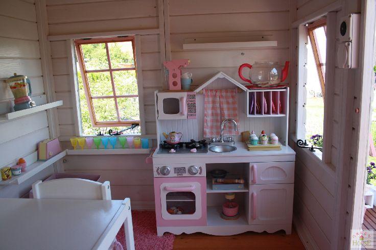 Interior casita de madera para niños Modelo Domo desde Suiza.