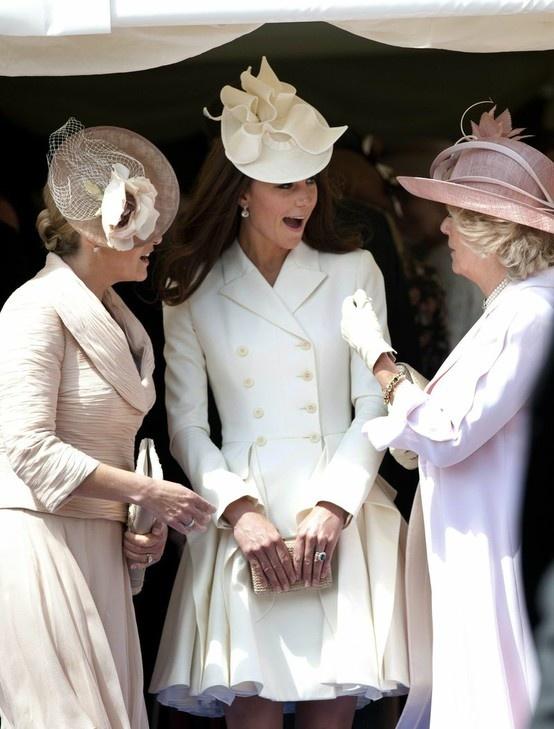Düşes Kate Middleton ve Beyaz Kabani