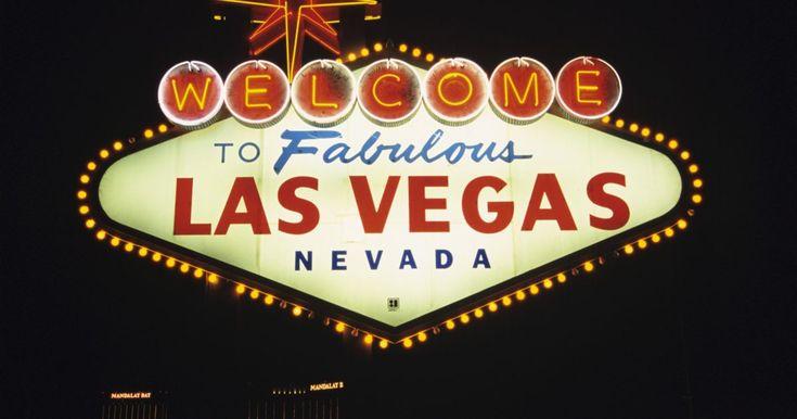 Qué ropa usar para asistir a un espectáculo de Las Vegas. Como reza el dicho, en Las Vegas prácticamente todo se vale. Esto es verdad también en lo que respecta a la ropa. En la mayoría de los casos, Las Vegas tiene un estilo de vida relajado y se considera que es mucho más importante usar ropa cómoda que vestidos elegantes. Aún así, puede que quieras salir a divertirte de noche usando algunas de tus ...