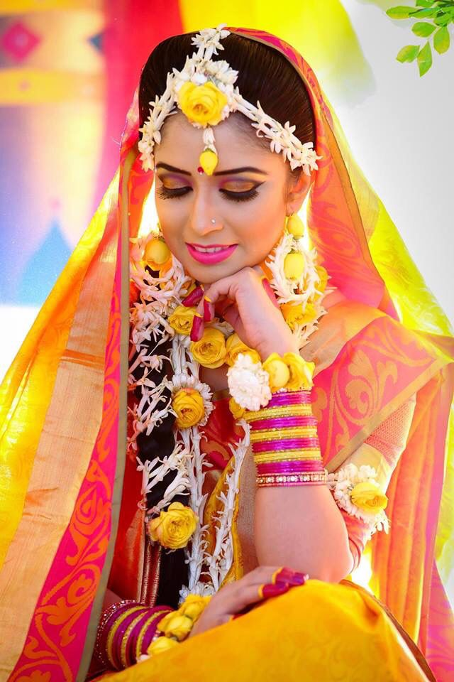 Bangladeshi Bride In Floral Jewelry For Gaye Holud