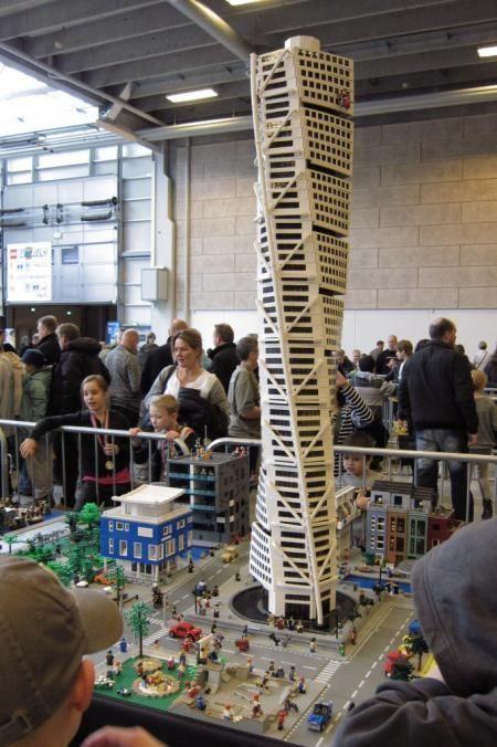 29 best Lego Skyscraper images on Pinterest | Lego architecture ...