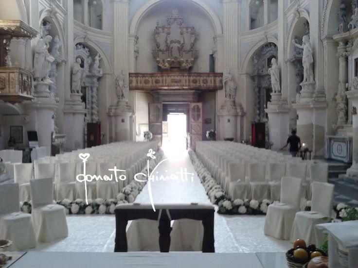 #eventi #flowerdesigners #flowers #matrimoniopuglia #wedding #matrimonio #apulia #weddingplanner #matrimoniosalento #lecce #sanmatteo #totalwhite #allestimentifloreali #castle #matrimonioincastello #donatochiriatti