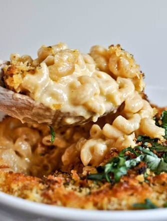 Easy Beer Mac and Cheese I howsweeteats.com