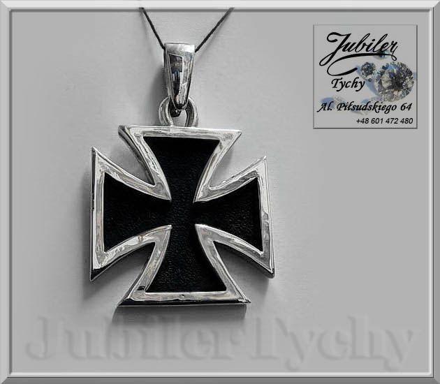 Srebrny wisior - duży Krzyż MALTAŃSKI ✞ 💎✙ Krzyż maltański, krzyż kawalerski, znany też jako krzyż cnót rycerskich. Symbolika krzyża: Szczególnym rodzajem krzyża jest krzyż maltański zwany też kawalerskim. Bardzo często ten symbol używany jest do szczególnych odznaczeń państwowych. Odzwierciedla on bowiem osiem cech rycerskich: lojalność, miłosierdzie, hojność, odwagę, honor, chwałę, brak strachu przed śmiercią, niesienie pomocy, wierność Kościołowi. #Srebrny #wisiorek #wisior #Krzyż…