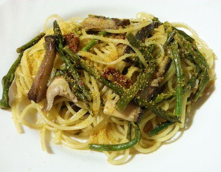 Un primo piatto che unisce il gusto di asparagi e funghi antunna ( chiamati in sardo cordolinu de petza) con il sapore di mare della bottarga di muggine