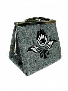 GOSHICO embroidered purse/mini bag GODDESS http://www.mybags.co.uk/goshico-embroidered-purse-mini-bag-new-folk-195.html