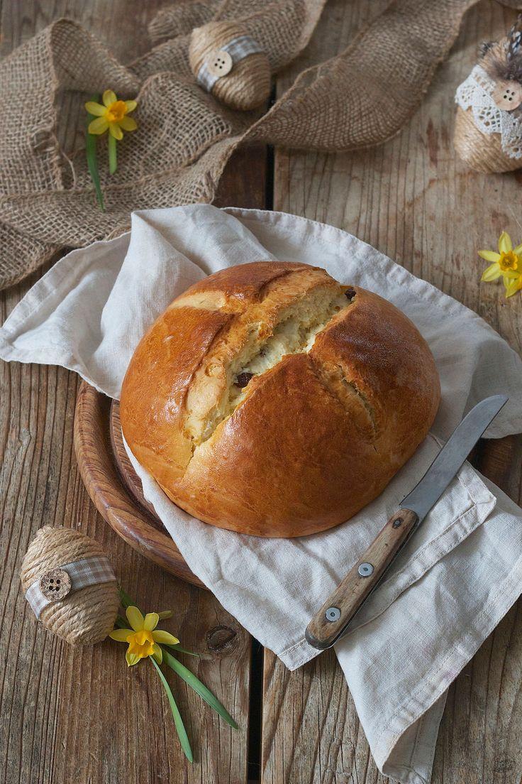 Rezept für ein saftiges Osterbrot mit Rosinen // homemade Easter bread // Sweets & Lifestyle®️️  #osterbrot #ostern #rezept #backen #easter #easterbread #recipe #brunch #breakfast #osterbrunch #baking #sweetsandlifestyle