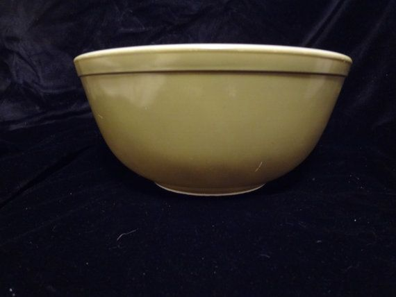 Pyrex Primary Colors Olive Green Mixing by TresTresInteressant