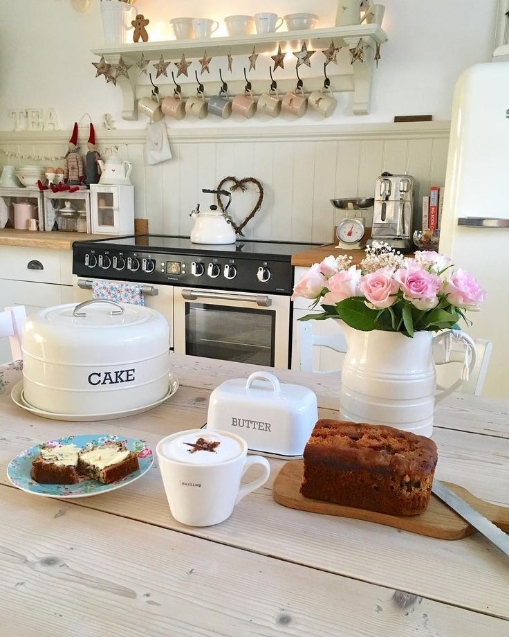 "616 Likes, 18 Comments - Pauline - Hugs & Hearts (@hugsandhearts_) on Instagram: ""Everything stops for coffee and cake #cottage #countryhome #livingthedream #homemadecake…"""