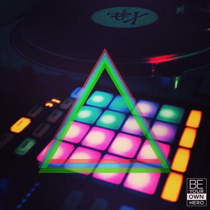 BE YOUR OWN HERO // #MeGustaZenFone // #ecler #djs #djing #djlife #djlife #djtravels #club #clubbin #techno #techhouse #tech #edwardteach #night #ndd #nodivadjs #music #weekend #instadj #followme #picoftheday #vinyl #turntable #technics #ndd  #macro #pitch #house #technomusic #neon #aquasella #sella