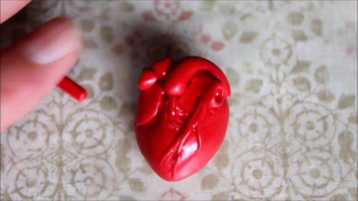 Человеческое сердце из полимерной глины