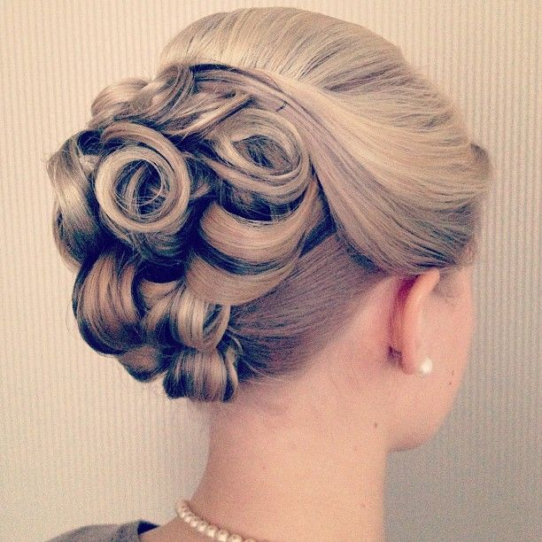 I have a formal event coming up this Saturday, so I'm trying to decide what to do w/ my hair. This is from my friends wedding in Janua...
