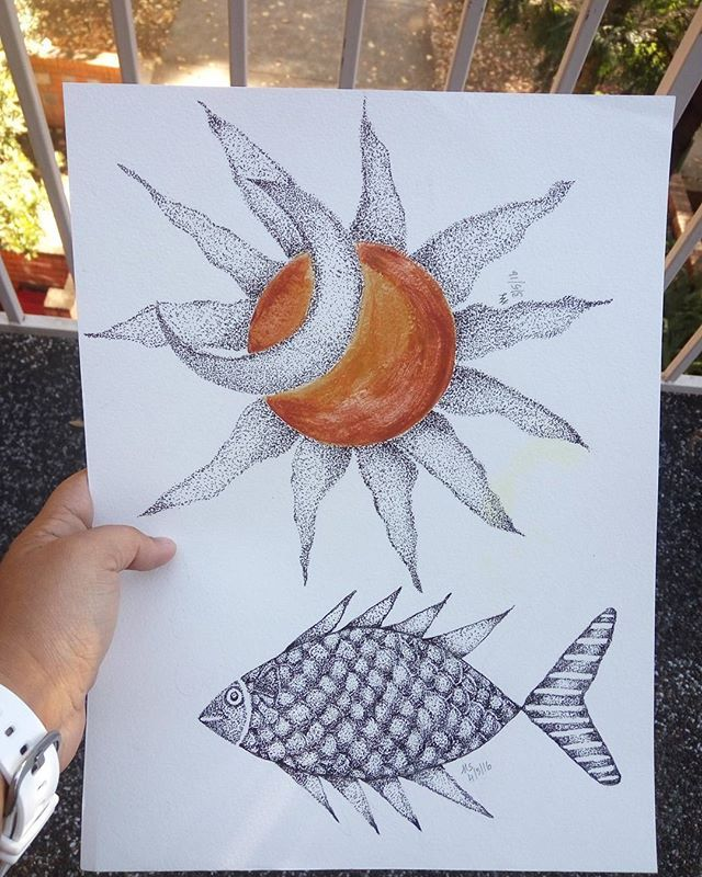 #fish #sun #sunart #moon #moonart #sunandmoon #golden #goldensun #fins #scales #sunsrays#tatooart #tatoo #blackandwhite #blackpen #archivalink #micronpens #dottedartwork #dottedart #dots #pointillism #pointart #ashwattasart #tatoo #tatooart #zentangle #THE100DAYPROJECT#indianartist