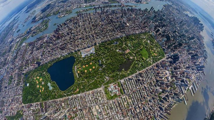 Tour New York City from a unique aerial perspective with this panoramic photo project.