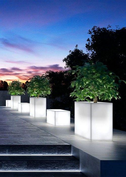 Charming Landscape Lighting Ideas  22 pics Interiordesignshome.com Contemporary landscape lighting