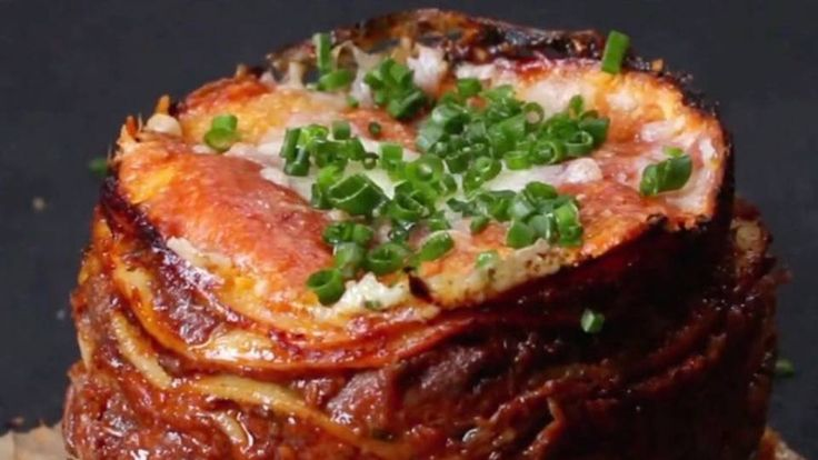 This recipe will take some prep, but it will be worth every minute. BuzzFeed put together a recipe tutorial with Chef Thiago Silva for the delicious dish known as molten lasagna. See the full tutorial below: