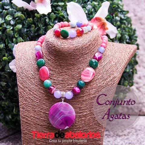 Conjunto de Collar y Pulsera con Ágatas. Ideal para lucir muy elegante!! www.tierradeabalorios.com #collar #necklace #pulsera #bracelet #abalorios #beads #agata #gesmstone #piedrasnaturales #bisuteria #jewelry #abalorios #beads