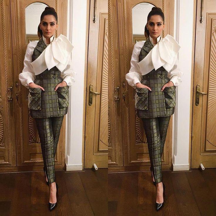 sonam-kapoor-latest-fashion-images https://ladyindia.com