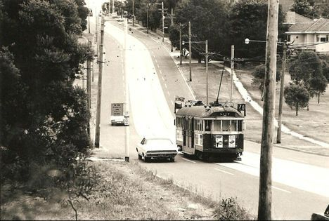 Historypin   Historypin   The history of Melbourne's trams   Riversdale Road at Wattle Park - 1975