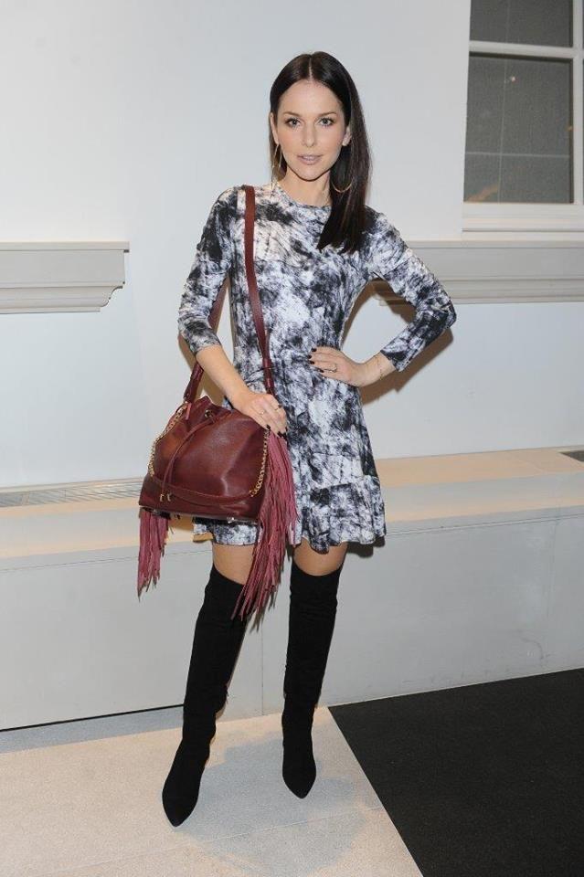 Paulina Sykut-Jeżyna w kozakach PRIMAMODA na konferencji prasowej Fashion Designer Awards  http://www.primamoda.com.pl/czarne-zamszowe-kozaki-na-szpilce-14523.html#prettyPhoto