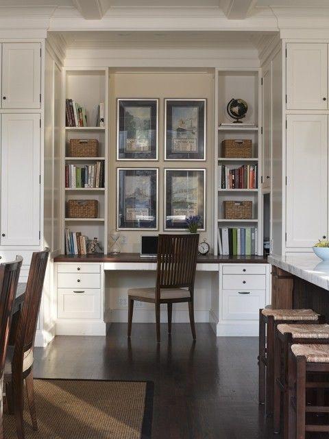 .desk  siempre quise escritorio con biblioteca mas cajones: Desks Area, Queen Anne, Kitchens Desks, Idea, Offices Spaces, Builtin, Traditional Homes Offices, Built In Desks, Small Homes