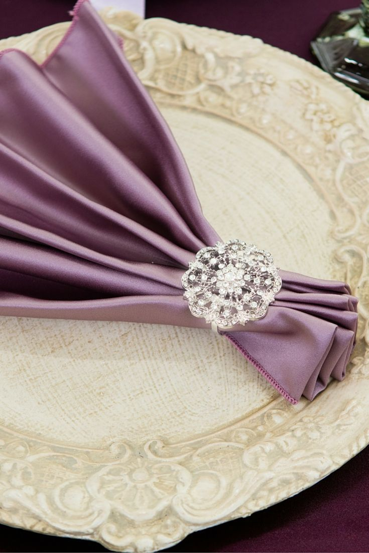 A vintage wedding theme with just the right accessories! Get this look by pairing an elegant satin napkin with the vintage diamante napkin ring - that easy.  Totally Dazzled 2016 Lookbook: http://www.totallydazzled.com/pages/lookbook