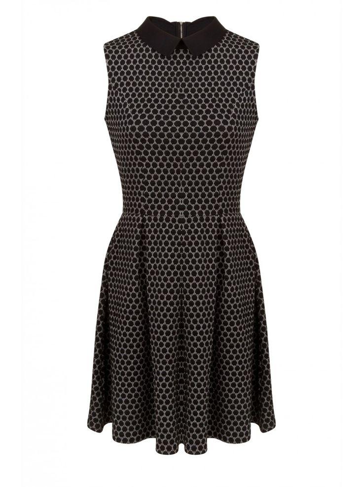 robe col claudine et motif nid d 39 abeille noir robes. Black Bedroom Furniture Sets. Home Design Ideas
