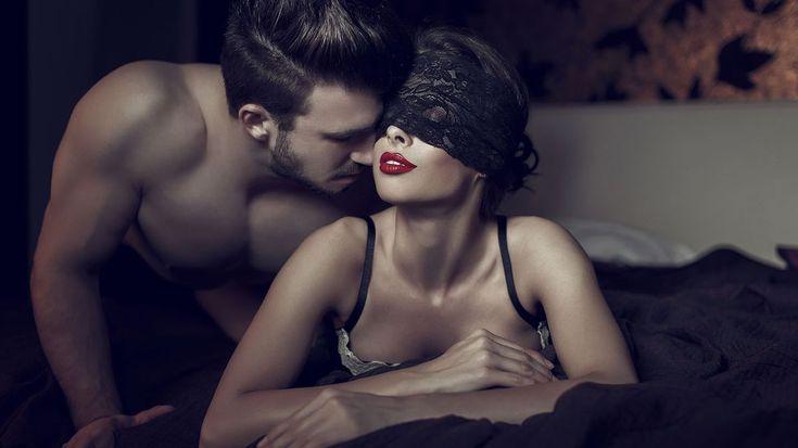 Jste připravení a svolní? Ideální kombinace k takové malé erotické hře… Proč partnerovi zavázat oči a co si připravit bokem? Tohle pozvedne vaše milování na vyšší úroveň!