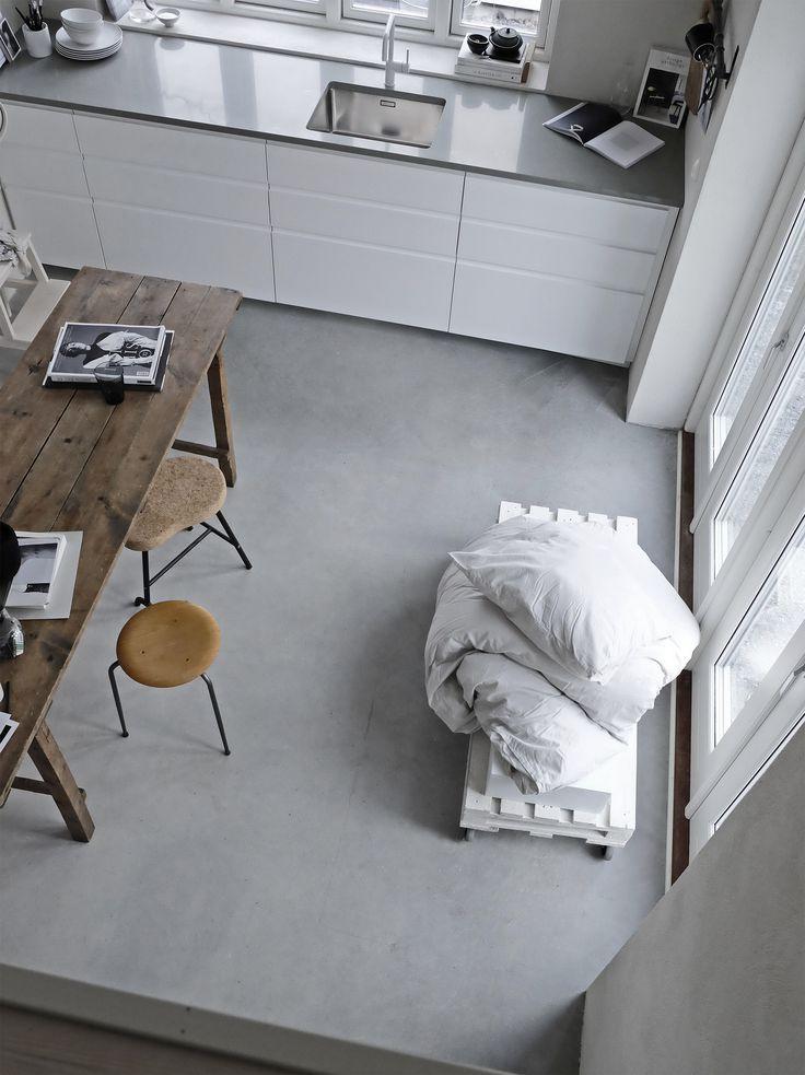 Utblick från sovloftet. Kolla in likheten mellan den hör bilden och Pellas moodboard.