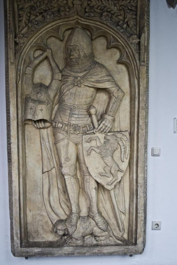 Burchard von Steinberg (1376) Germany. Splinted Arms and Breastplate like the Pistoia Altar's one.