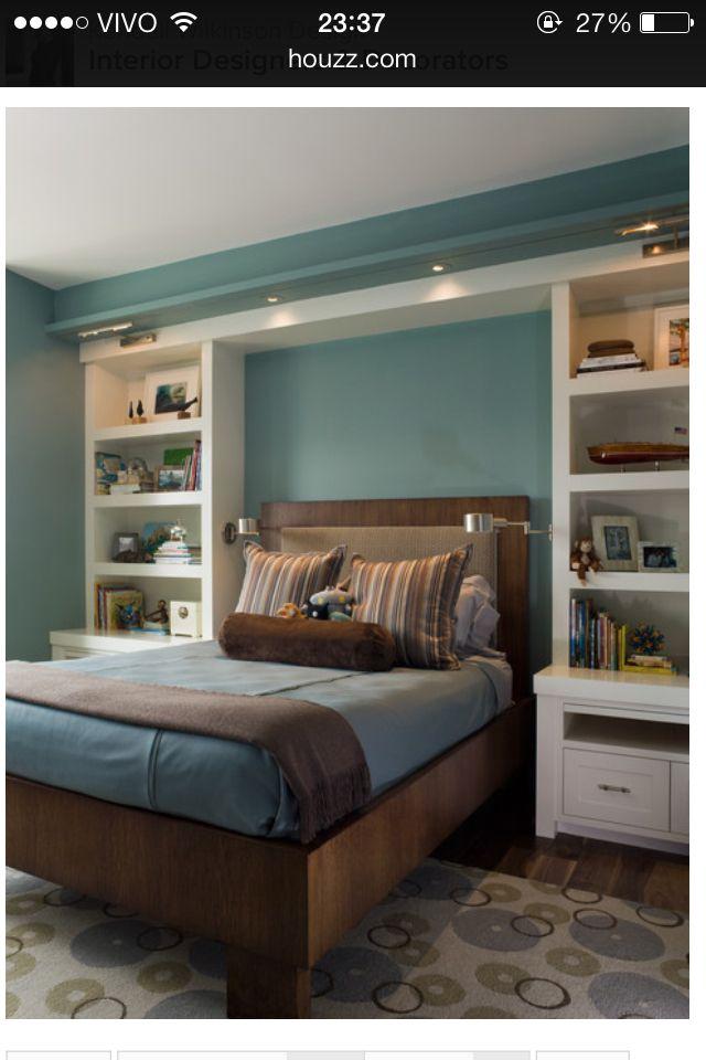 Teen boy bedroom - shelfs
