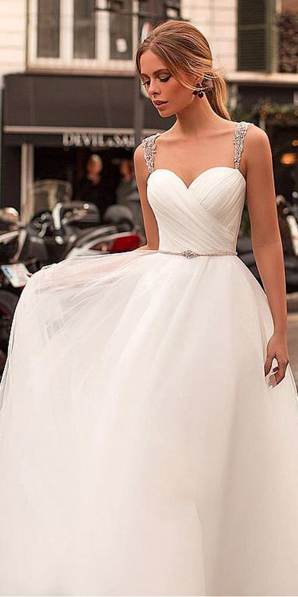 Beautiful Tulle Sweetheart Neckline A-line Wedding ceremony Costume With Beaded Embroidery & Belt