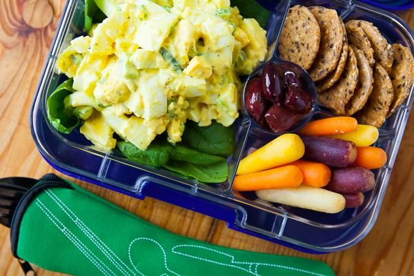 Our Mayo makes this clean egg salad extra delicious! Add a few fun sides and you get a lunch that's pretty awesome. Bonus? It'll keep up to 3 days in the fridge, so you can prep ahead!