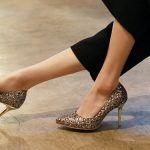 silver gumus piriltilari olan parlak topuklu şık stiletto ayakkabi modeli