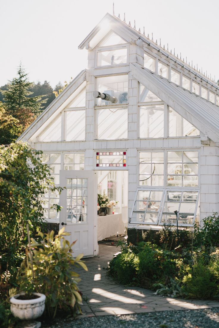 Is a barn a garden house greenhouses and a two bedroom guest house - Kellybrownphoto Starling Lane Gardening And Living