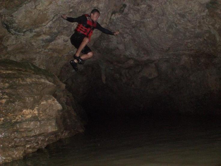 JUMP! Goa Pindul , Yogyakarta