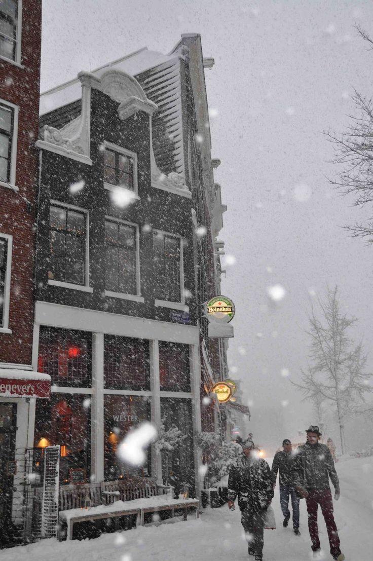 Snowy Amsterdam • photo: leafde on leafde blogspot