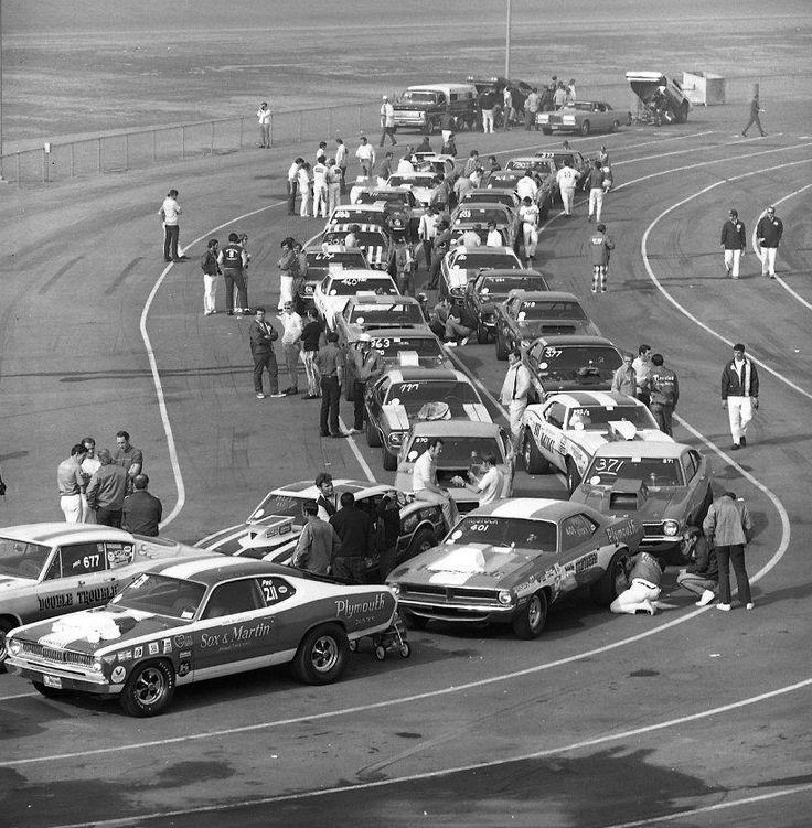 Vintage Drag Racing - Pro Stock - Staging Lanes