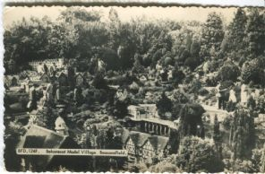 Frith's Postcard, Bekonscot Model Village, Beaconsfield, BFD 124F
