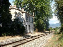 Peyruis Provence France Gare sncf qui est fermée