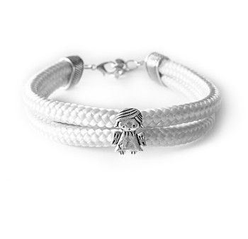 Bransoletka z białego sznurka z aniołkiem. Niepowtarzalny wzór ze sklepu Prezent Perfekt.