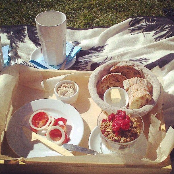 Śniadanie na trawie w Chwila Moment