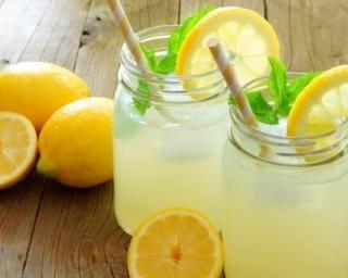 Limonade citronnée à la levure de bière : http://www.fourchette-et-bikini.fr/recettes/recettes-minceur/limonade-citronnee-a-la-levure-de-biere.html