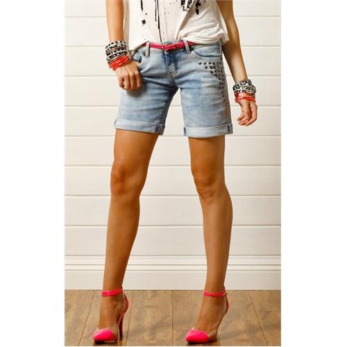 Blue Studded Denim Bermuda ShortsBermuda Shorts, Shorts Blue, Diy Shortsidea, Diy Shorts Ideas, Denim Shorts