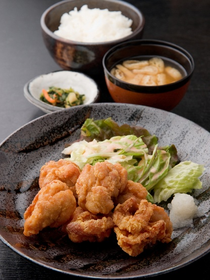 Karaage Teishoku, Set Meal with Japanese Fried Chicken, Fresh Veggies, Pickles, Rice and Miso Soup