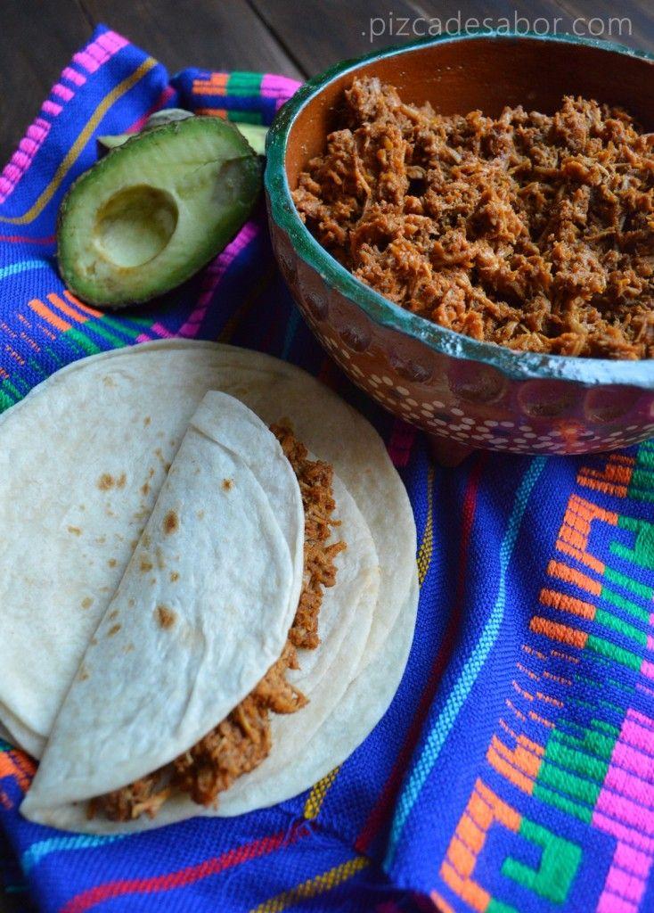 Chilorio de puerco [ MexicanConnexionForTile.com ] #food #Talavera #handmade