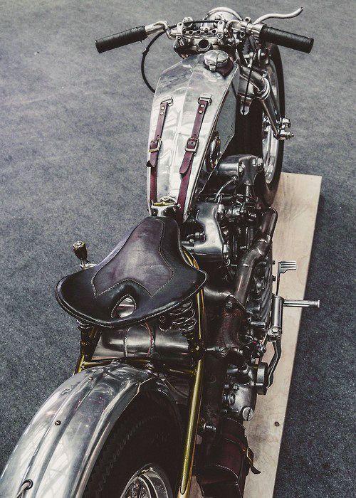 Bobber #motorcycles #bobber #motos | caferacerpasion.com                                                                                                                                                                                 Más