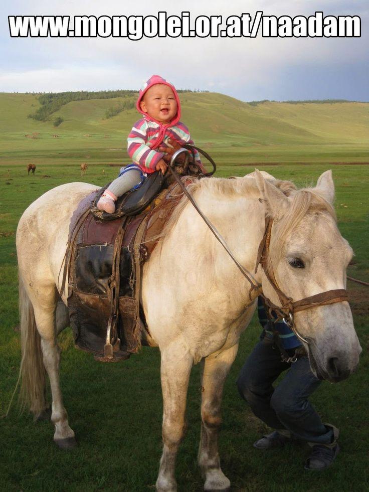 Nicht vergessen: Das große #Naadam-Fest auf der Trabrennbahn in Baden steigt am kommenden Samstag ab 11 Uhr! Alle Details unter http://www.mongolei.or.at/naadam Bitte teilen und weitersagen!  (Danke an Nandin Jargal für das süße Foto ihres Neffen Altangadas!)